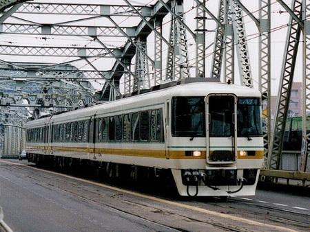 キハ8500系c.jpg