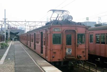 クモハ32001片町駅c.jpg